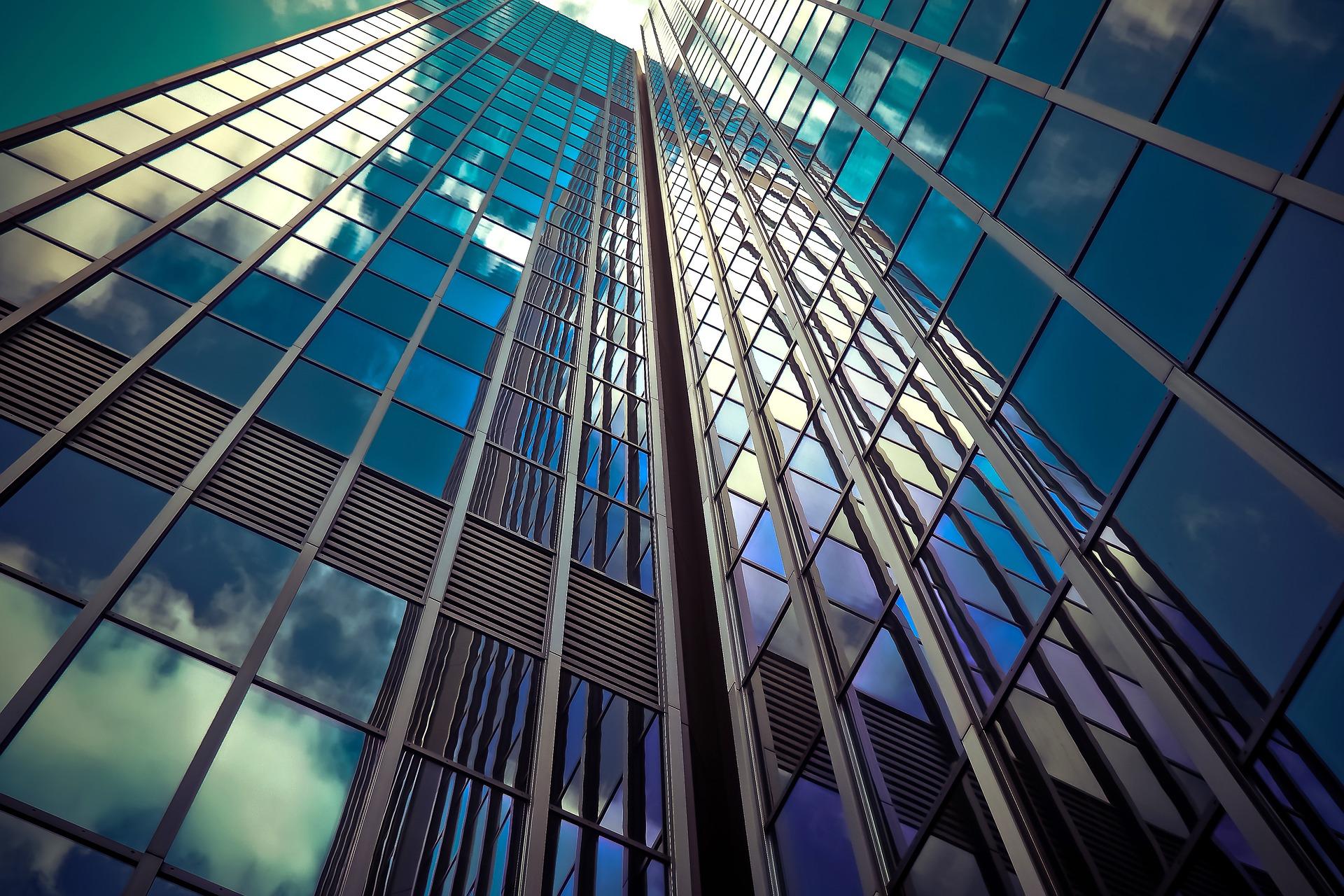 Vai comprar, vender ou investir em imóveis?