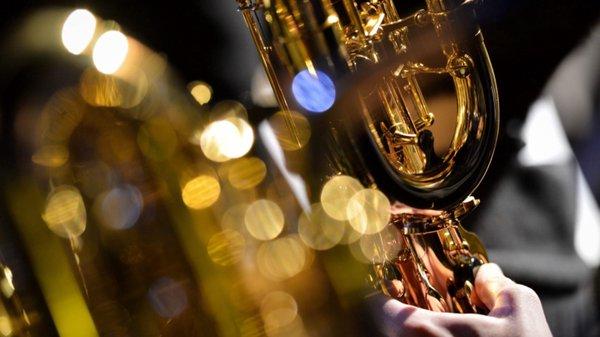 Orquestra de Jazz do Algarve leva música de Frank Sinatra a Tavira e Lagoa