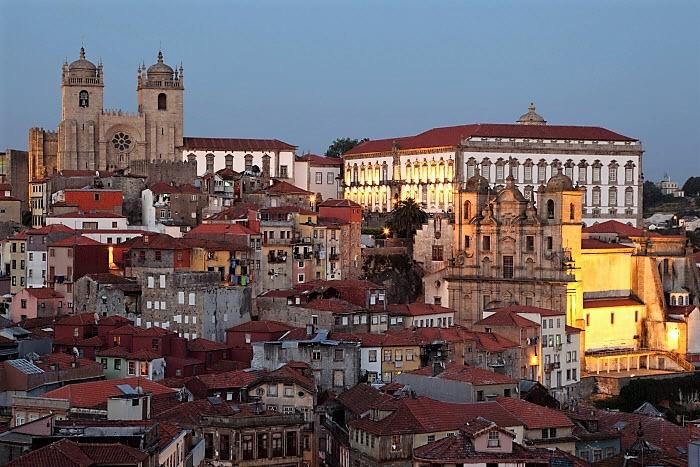 Casas em empreendimentos novos na Baixa do Porto custam o dobro da ribeira de Gaia